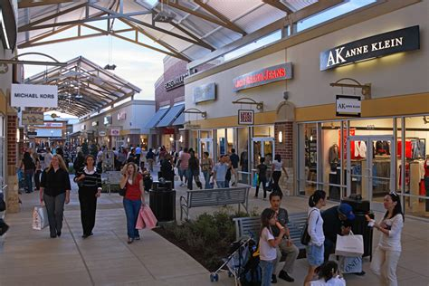 Complete List Of Stores Located At Houston Premium Outlets